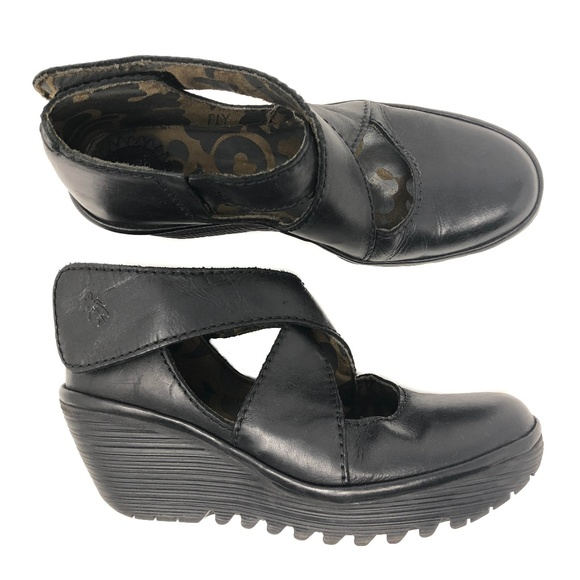 05f16e41bd7e Fly London Shoes - Fly London Yogo Wedge Size 38 Black Shoes Sandals